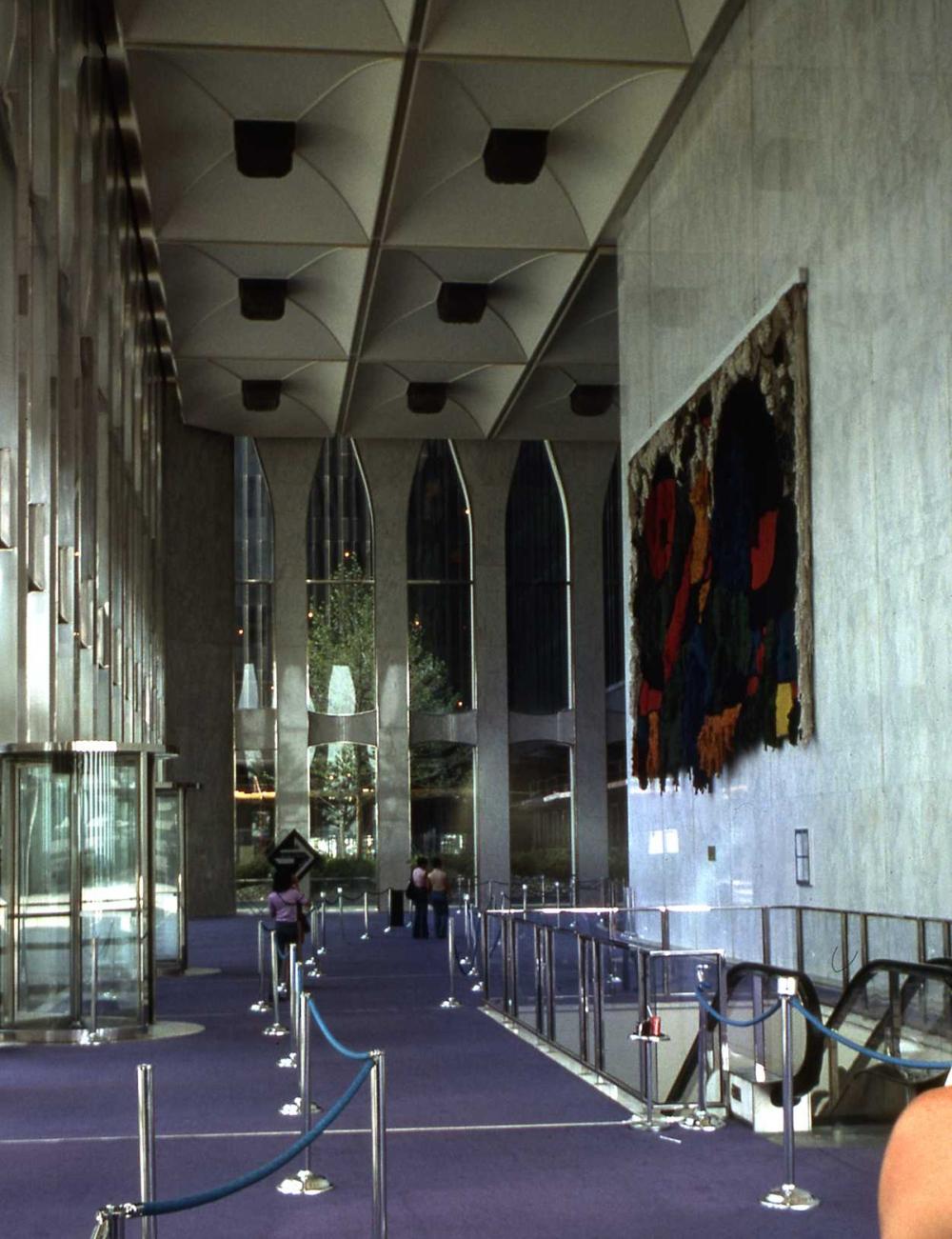 WTC Lobby 1976 img256